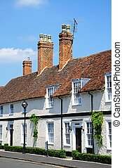 White cottages, Stratford-upon-Avon - Row of cottages along...