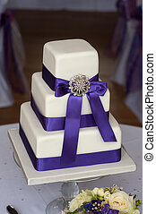 wedding cake purple and white