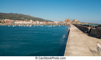 Breakwater Castro Urdiales - Long exposure TimeLapse of...