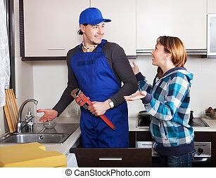 Girl watching at plumber - Girl watching as plumber...