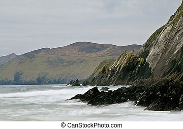 Ireland seashore at Dingle peninsula - Beat of waves at...