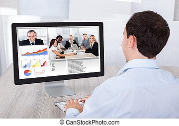 hombre de negocios, vídeo, Conferencia, con, colegas,...