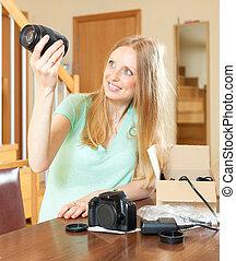 objetivos, jovem, câmera, loura, digital, Novo, sorrindo,...