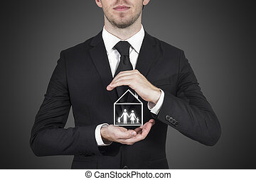 homem negócios, protegendo, família, lar