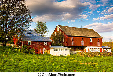 Red barn on a farm in rural York County, Pennsylvania. - Red...