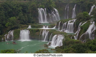 Detian or Ban Gioc waterfall timelapse - Detian (????) or...