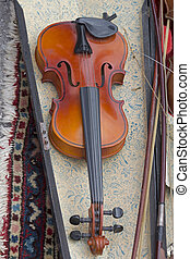 Violin - Classical violin with bow in case