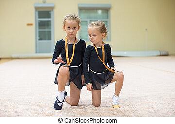 peu, Médailles, Gymnase, Gymnastes, deux