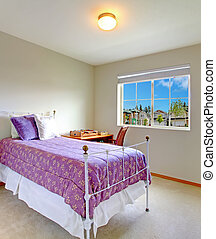 Small bedroom with antique bed - Small bedroom with window...