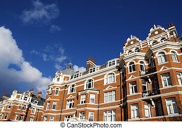 Elegant Red-Brick House at London. - A Typical Red-Brick...