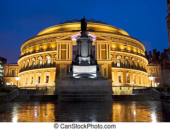 Royal Albert Hall at Twilight. - Mirrored Reflection of...