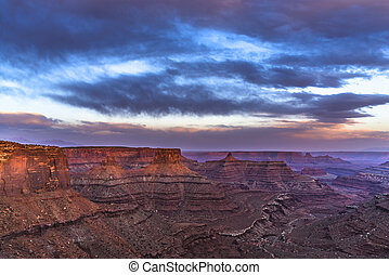 Beautiful Sunset near the Marlboro Point Canyonlands Utah -...