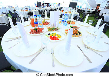 catering table set service
