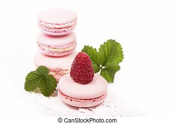 Macaroons with raspberry