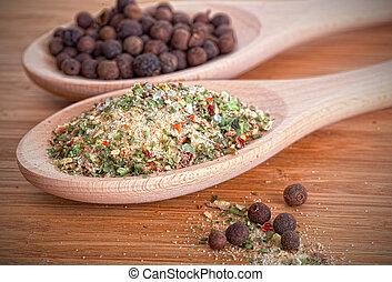 sal, hierbas, Pimienta de Jamaica, de madera, cucharas