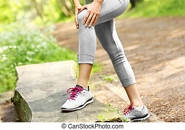 Jogger with hurt knee