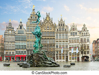 Grote Markt square, Antwerpen - medieval Brabo fountain and...