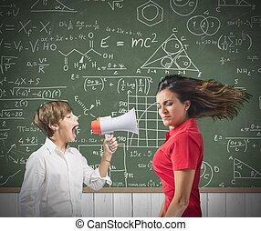niño, yells, ella, profesor