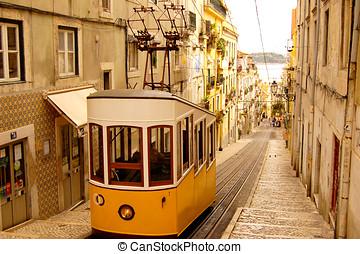 BONDE, LISBOA, PORTUGAL