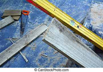 Working Tools - leveler and saw tool