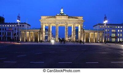 Berlin Time lapse of Brandenburg Gate - Timelapse video...