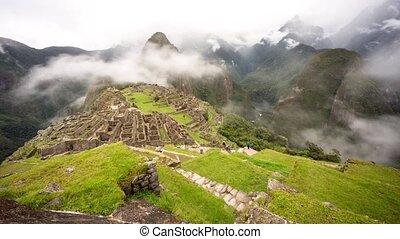 Machu Picchu Time lapse - Machu Picchu in Peru Time-lapse...