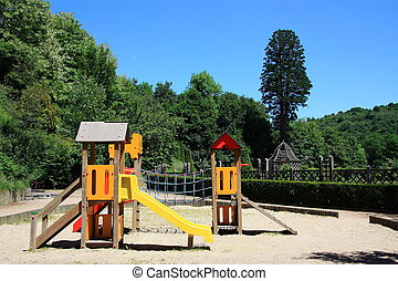 Family Travel - Playgrounds - Family travel in France is...