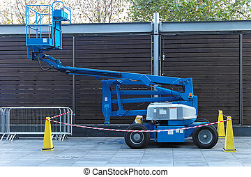 Boom lift - Self propeled blue telescopic boom lift platform