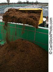 tractor, cargos, biogas, planta