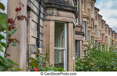 Side view of vintage facades in Edinburgh - Vintage facades...