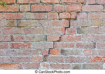 Brick wall cracking - Cracked brick wall