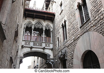 Bridge at Carrer del Bisbe in Barri Gotic, Barcelona