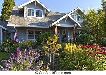 Manicured garden and home Gresham Oregon. - Manicured garden...