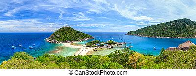 Nangyuan island, Suratthani, Southern of Thailand - Panorama...