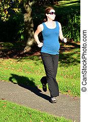 Pregnancy - pregnant woman exercise - Pregnant woman run...