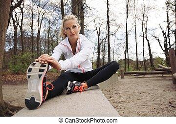 mooi, rennende,  Stretching, vrouwlijk, Voor