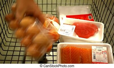 take away excess product from the cart. Video 1920*1080