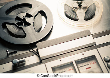 vintage reel to reel player and recorder