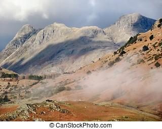 Langdale Pikes - The Langdale Pikes from near Tilberthwaite...