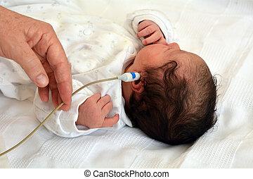 recem nascido, criança, ouvindo, Examine