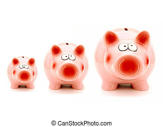 Growing investment - Three piggy banks of increasing size...