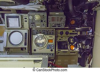 Submarino, Más viejo, viejo, instrumentos, electrónico