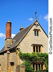 Cotswold architecture, Broadway - Cotswold stone cottage,...