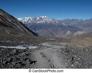 Foot-path to from Thorung La Pass to Muktinath, Nepal.