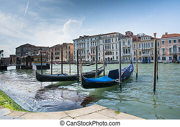 gondole in venice - venice,italy-may 1,2014:view with...