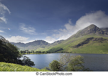 buttermere lake in the lake district, cumbria, england -...