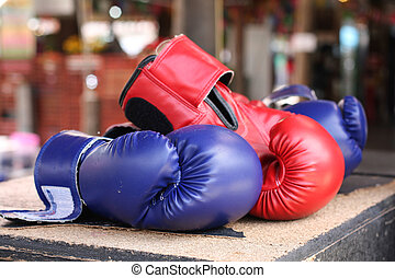 Boxing gloves - Boxing glove it is good for protecting...