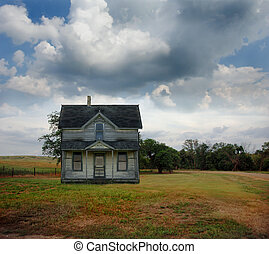 Abandoned Rural Farmhouse - Small country farmhouse out on...