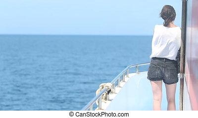 full woman ship ocean