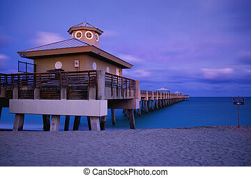 Juno Beach Park Pier - Juno beach twilight tide with...